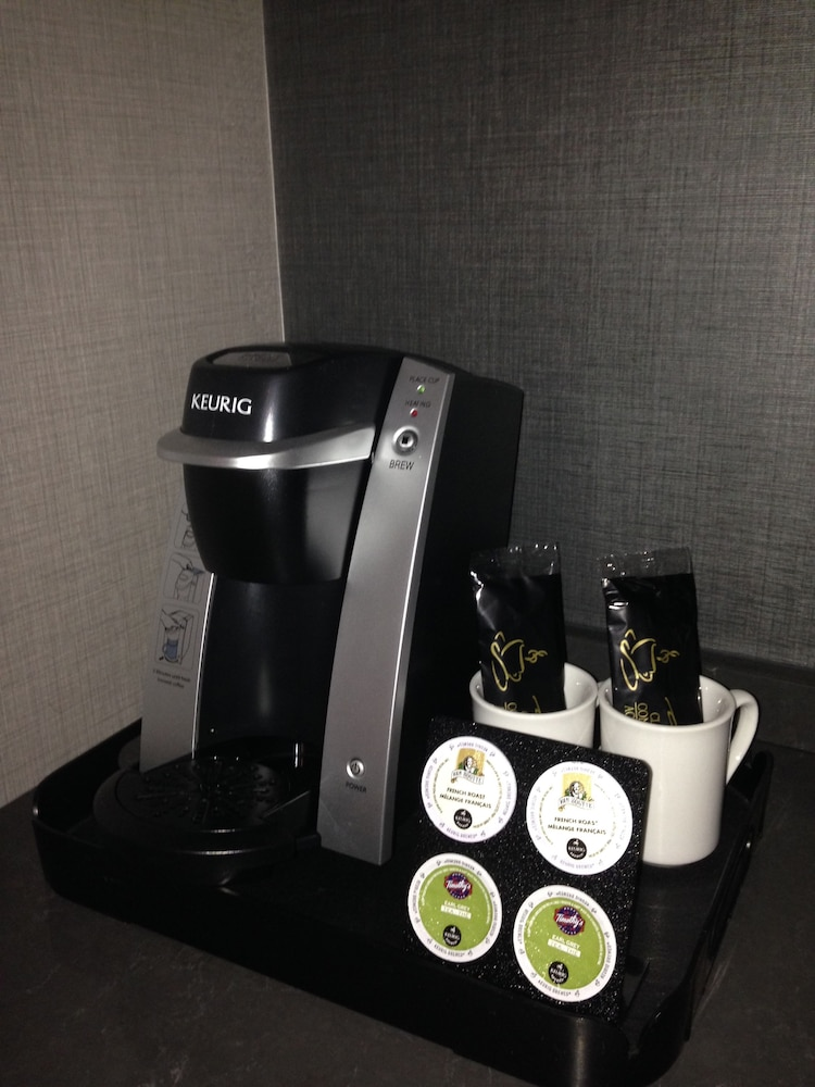 Coffee and/or Coffee Maker, Hotel Manoir Victoria