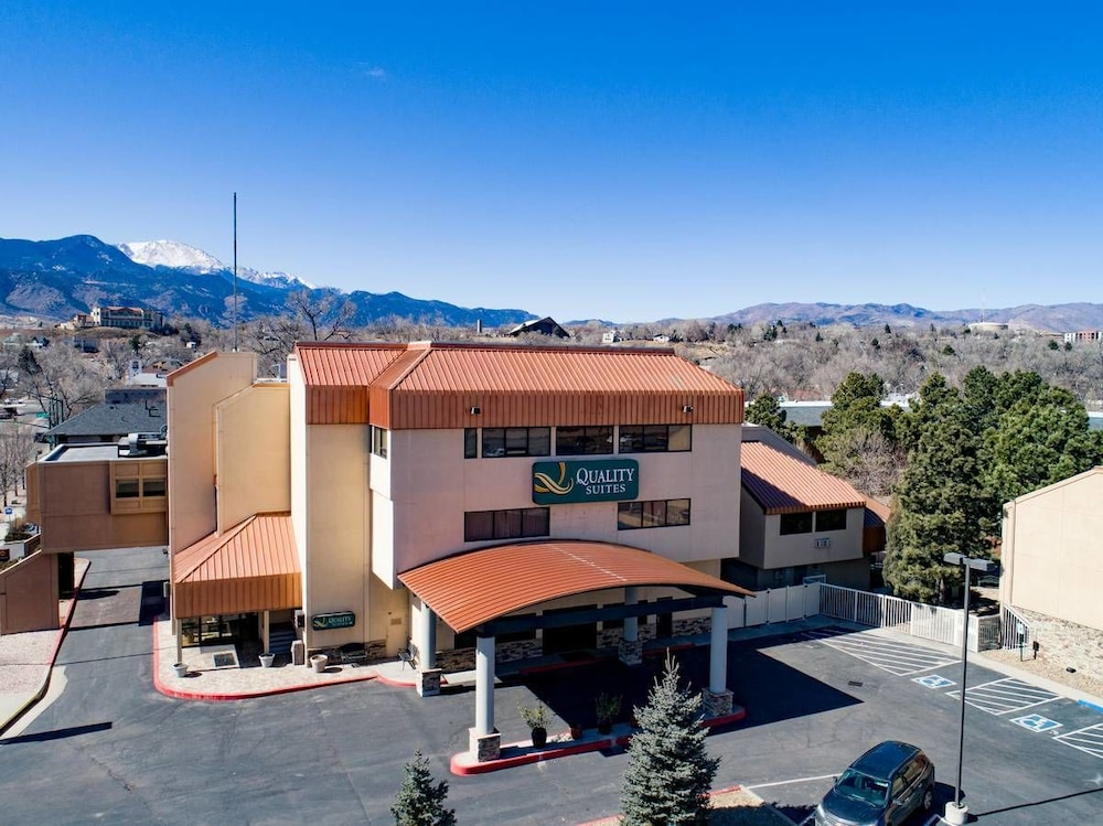 Hotels With Conference Rooms In Colorado Springs