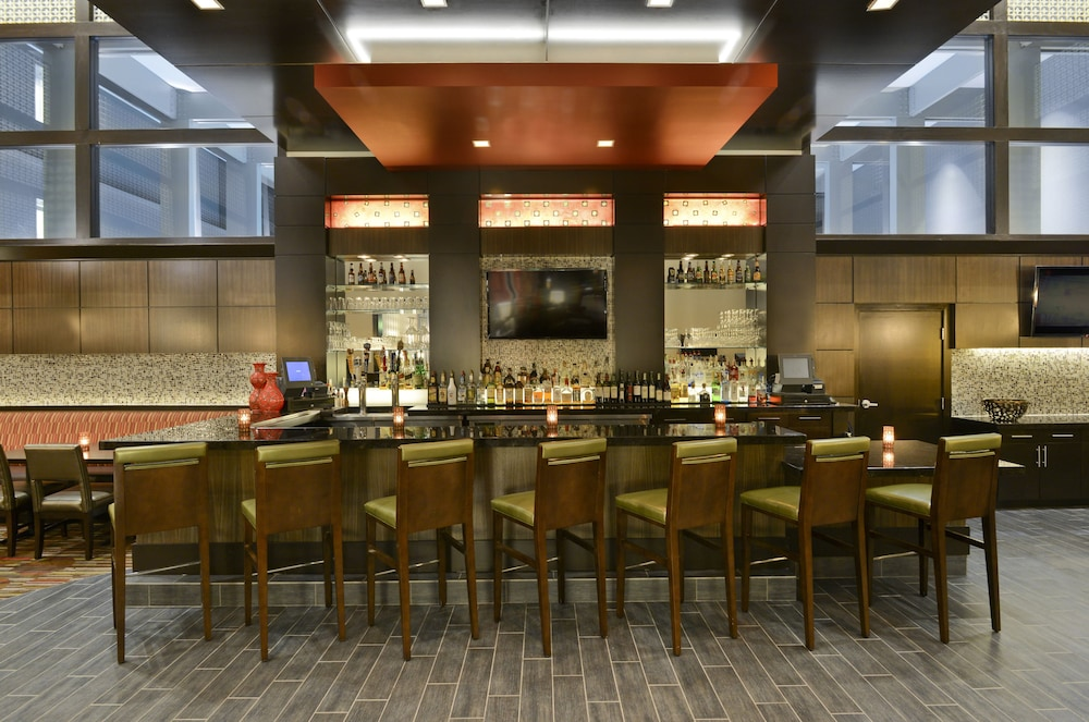 Bar, The Beeman Hotel