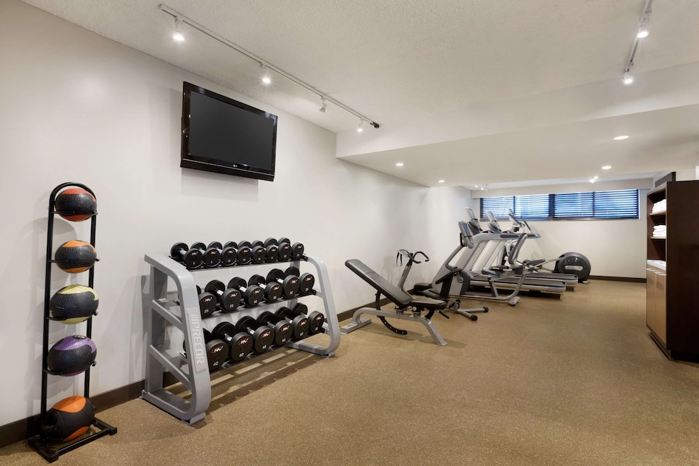 Fitness Facility, Embassy Suites Piscataway - Somerset