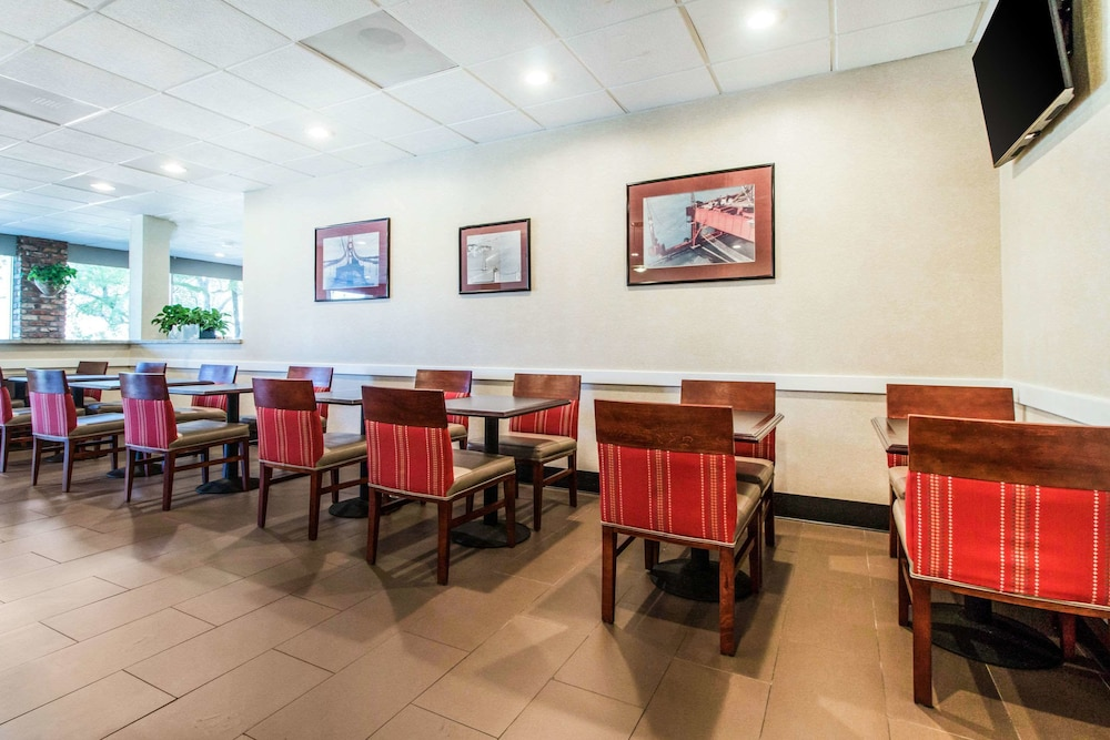 Dining, Comfort Inn by the Bay