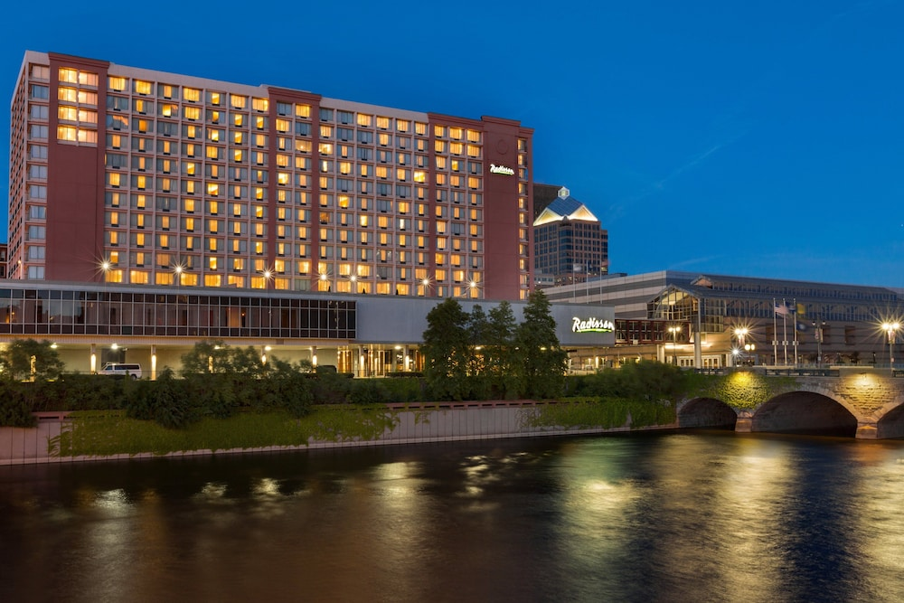 Riverside Convention Center Hotels
