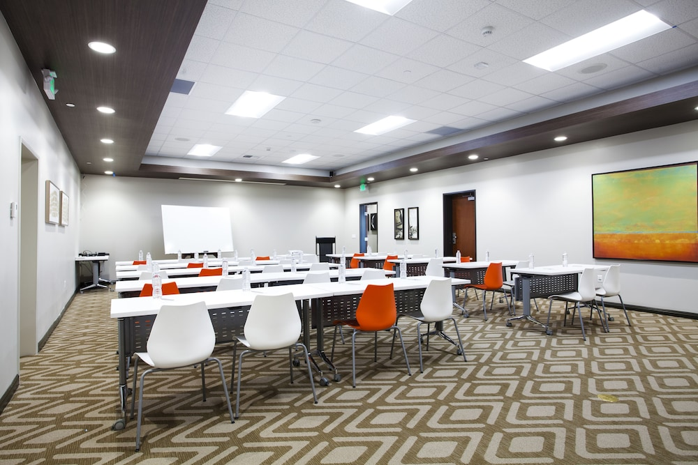 Meeting Facility, Redac Gateway Hotel In Torrance
