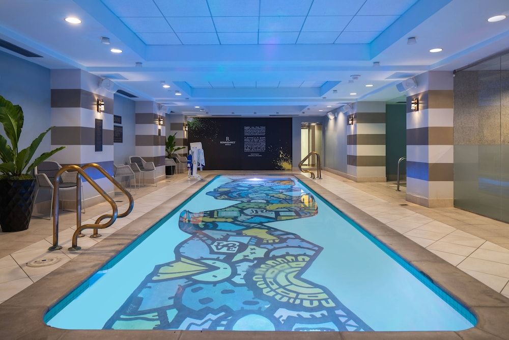 Indoor Pool, Renaissance Philadelphia Downtown Hotel