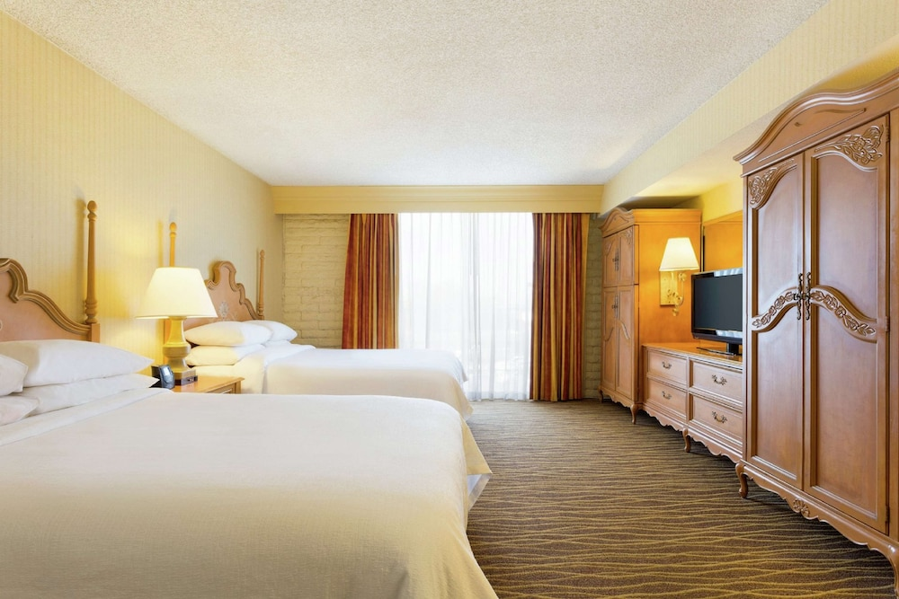 Room Amenity, Embassy Suites by Hilton Phoenix Airport