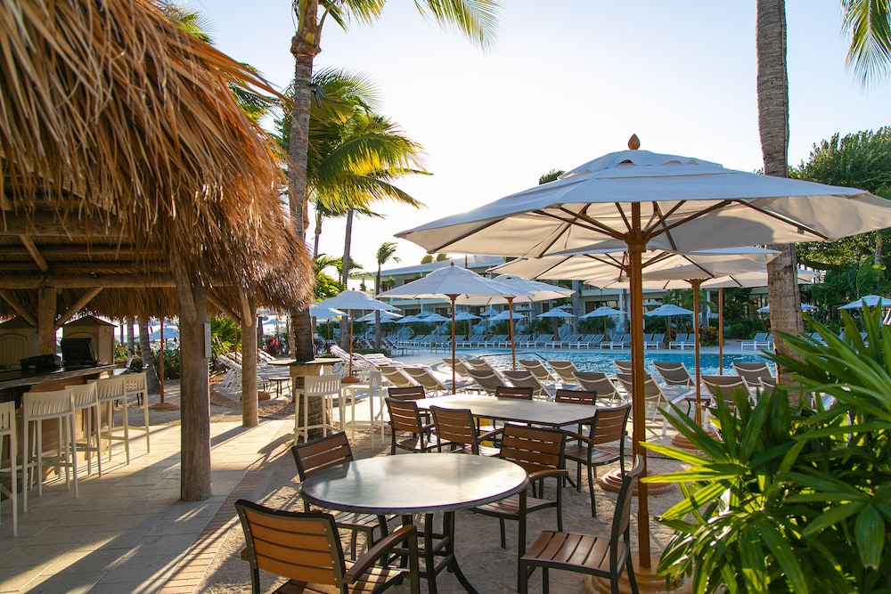 Poolside Bar, Hawks Cay Resort