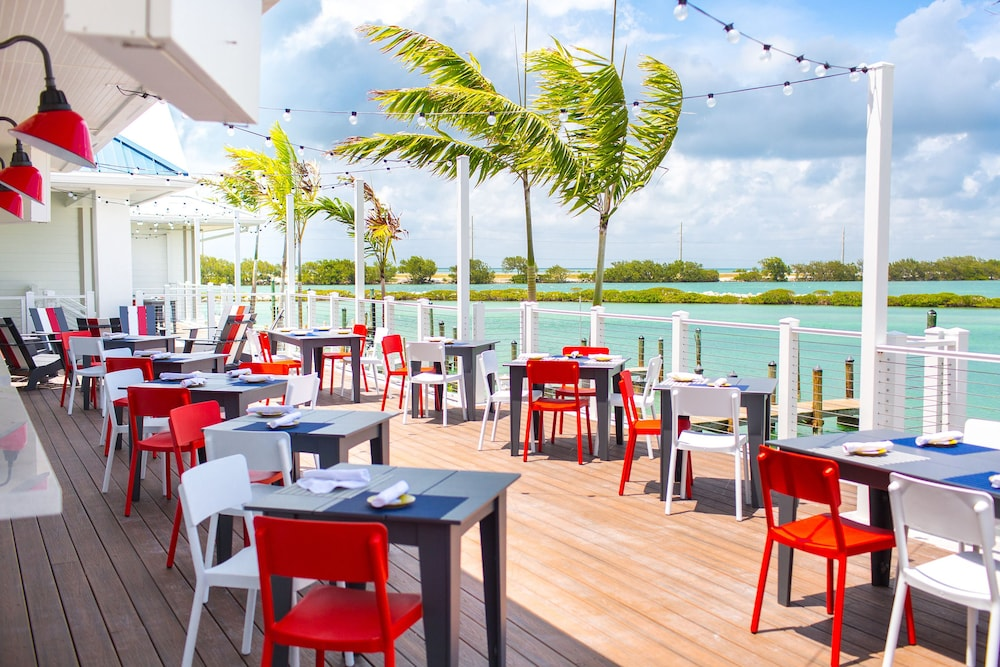 Outdoor Dining, Hawks Cay Resort