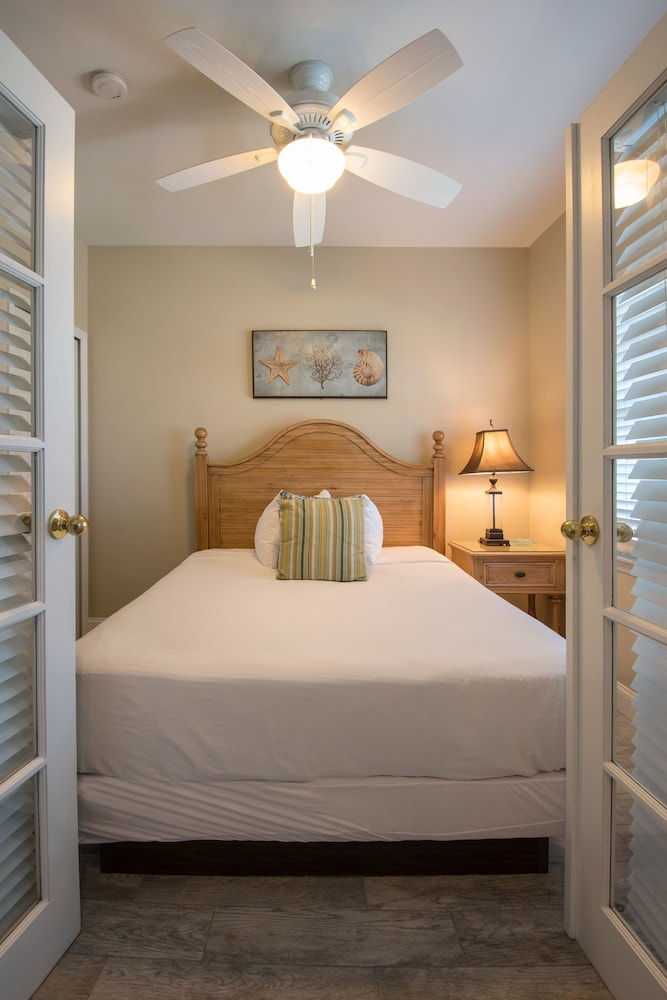 Room, Hawks Cay Resort