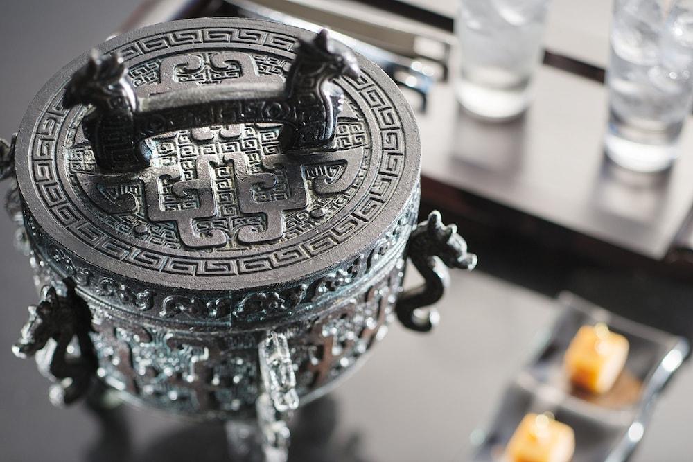 Mandarin oriental hong kong hong kong hkg expedia for Chambre 6095