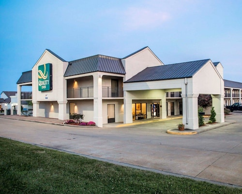 Check Expedia for Availability of Quality Inn US65 & E. Battlefield Rd. Springfield