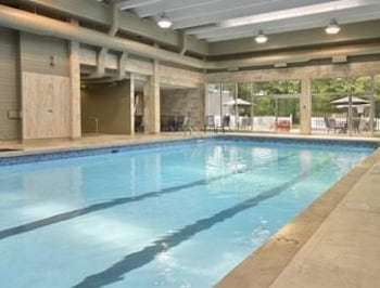 Ramada Cornwall Deals Reviews Cornwall Canada Wotif