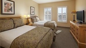 1 bedroom, pillow top beds, desk, laptop workspace