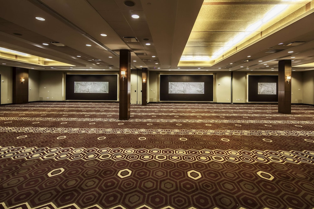 Ballroom, DoubleTree by Hilton Hotel & Suites Pittsburgh Downtown