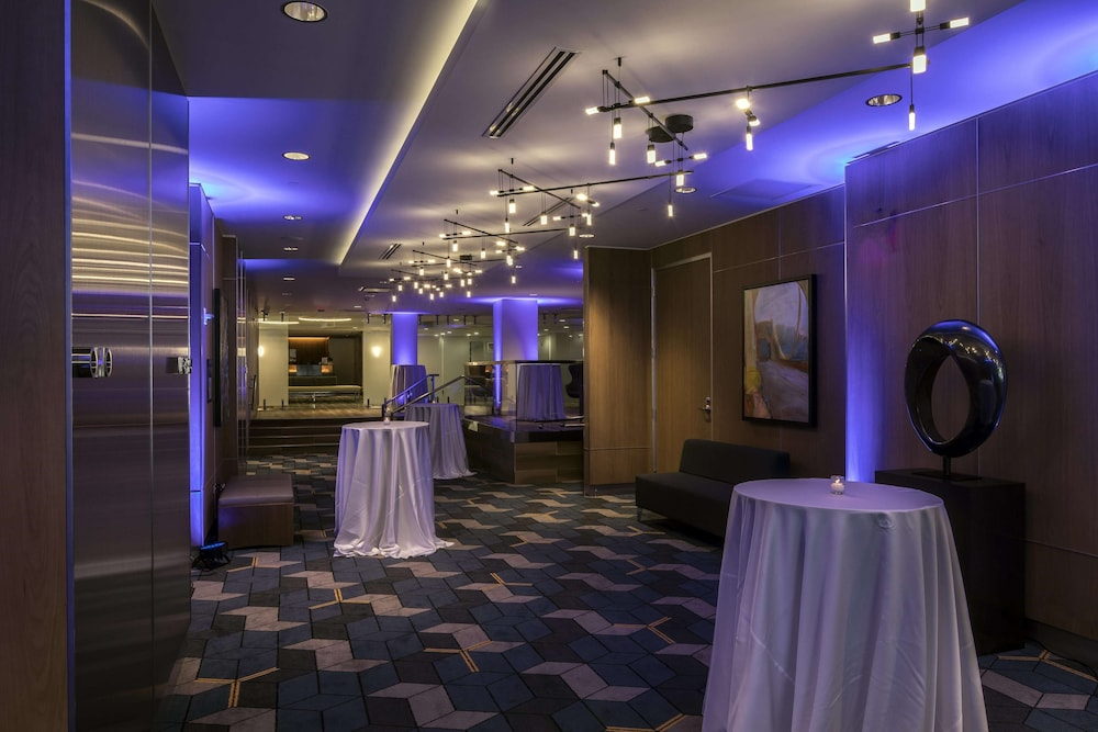 Meeting Facility, DoubleTree by Hilton Hotel & Suites Pittsburgh Downtown