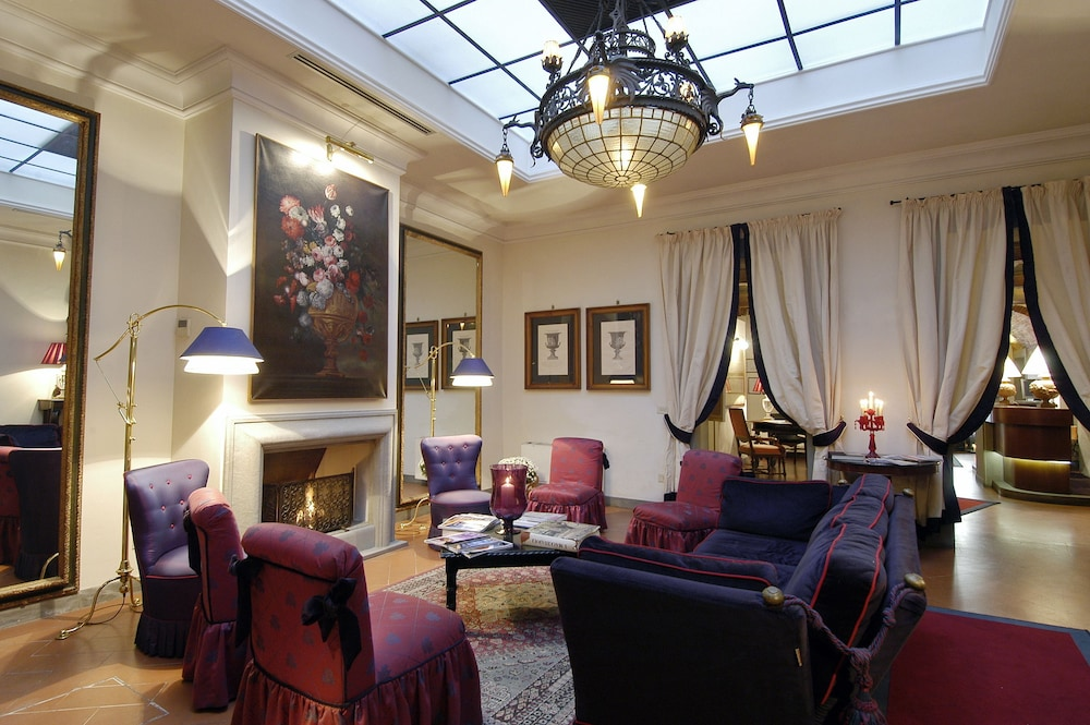 Cellai boutique hotel deals reviews florence italy for Boutique hotel italia