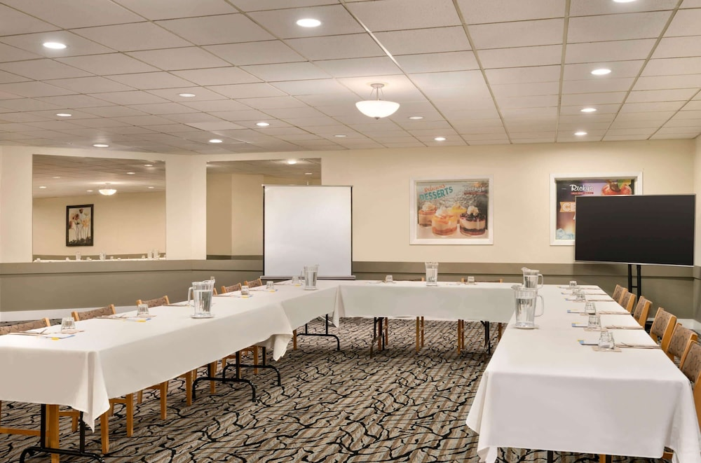 Meeting Facility, Days Inn by Wyndham Nanaimo