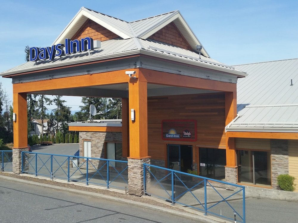 Front of Property, Days Inn by Wyndham Nanaimo
