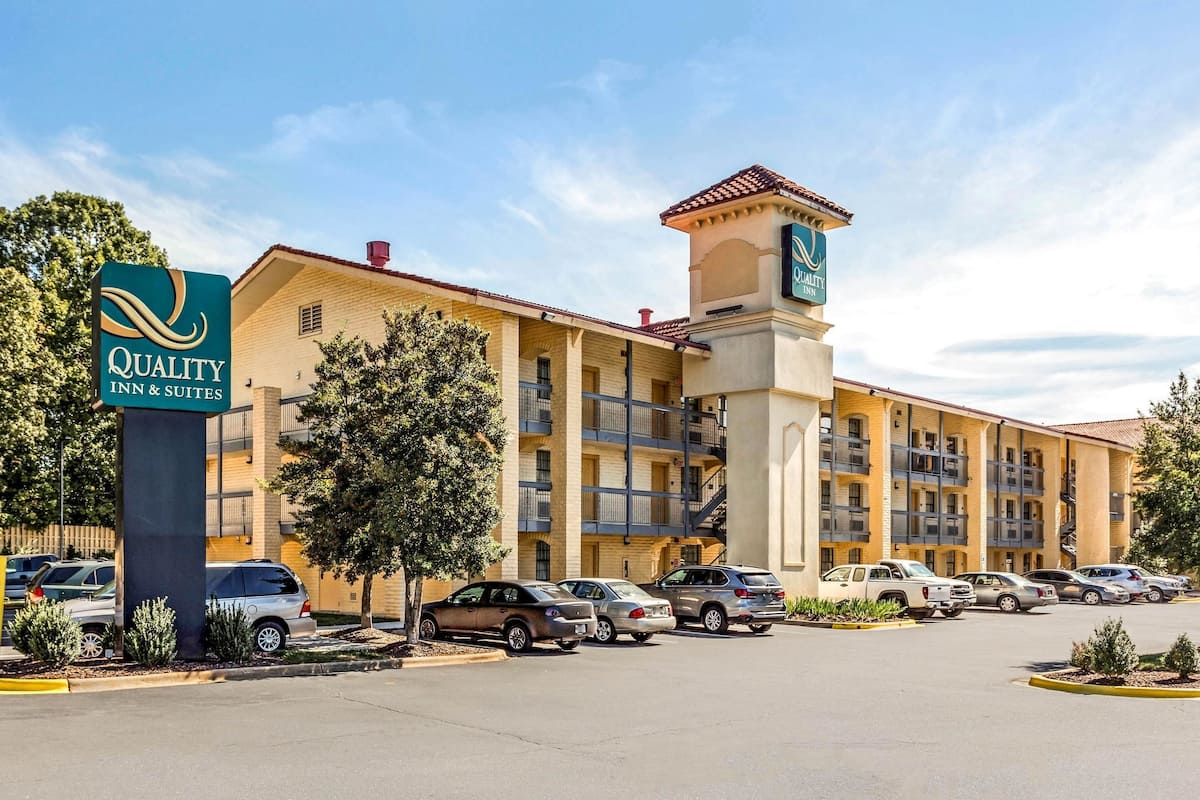 Quality Inn Suites Airport In Charlotte Nc Expedia