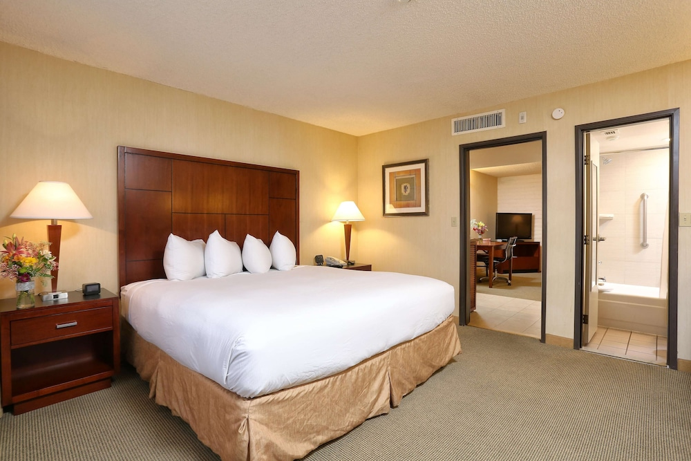 Room, DoubleTree Suites by Hilton Tucson Airport