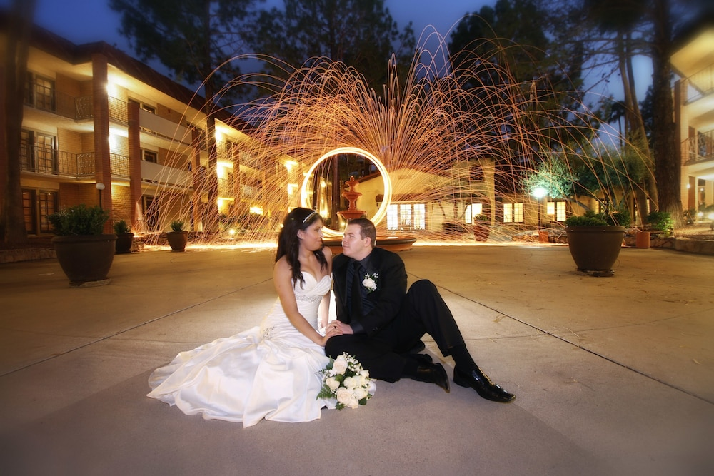 Outdoor Wedding Area, DoubleTree Suites by Hilton Tucson Airport