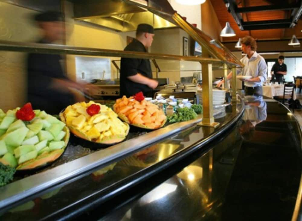 Breakfast buffet, DoubleTree Suites by Hilton Tucson Airport