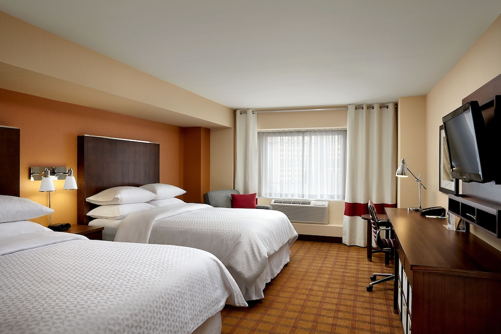 Room, Four Points by Sheraton Niagara Falls Fallsview