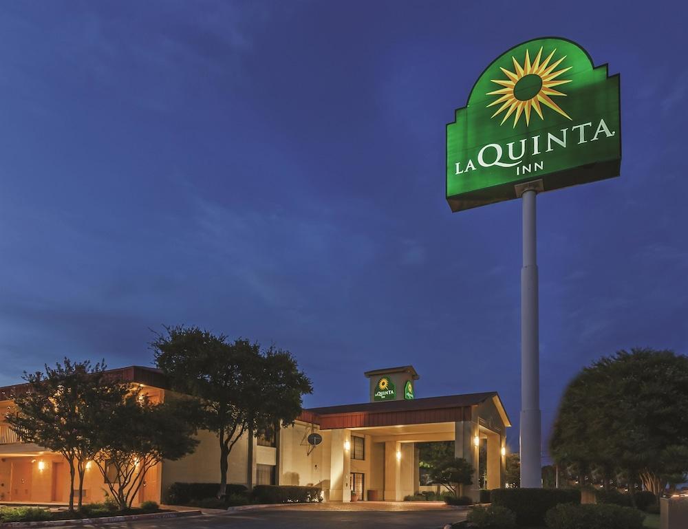 Hotels Near San Marcos Tx