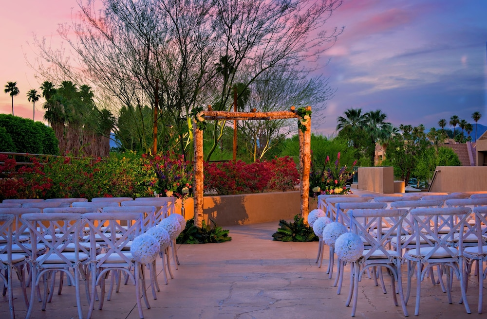 Outdoor Wedding Area, Hyatt Palm Springs