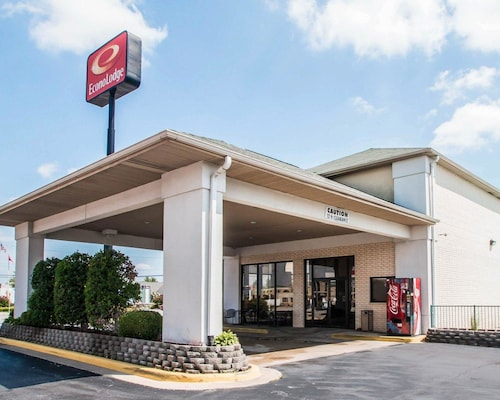 Check Expedia for Availability of Econo Lodge I-44 - Exit 80