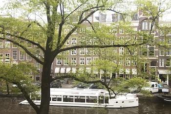 Singel 303-309, Amsterdam, 1012 WJ, The Netherlands.