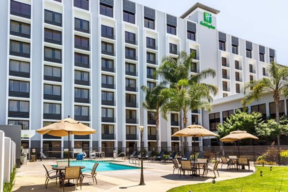 Outdoor Pool, Holiday Inn San Jose - Silicon Valley