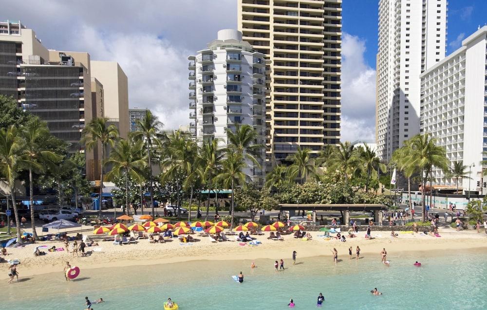 Aston Waikiki Circle Hotel 3 0 Out Of 5