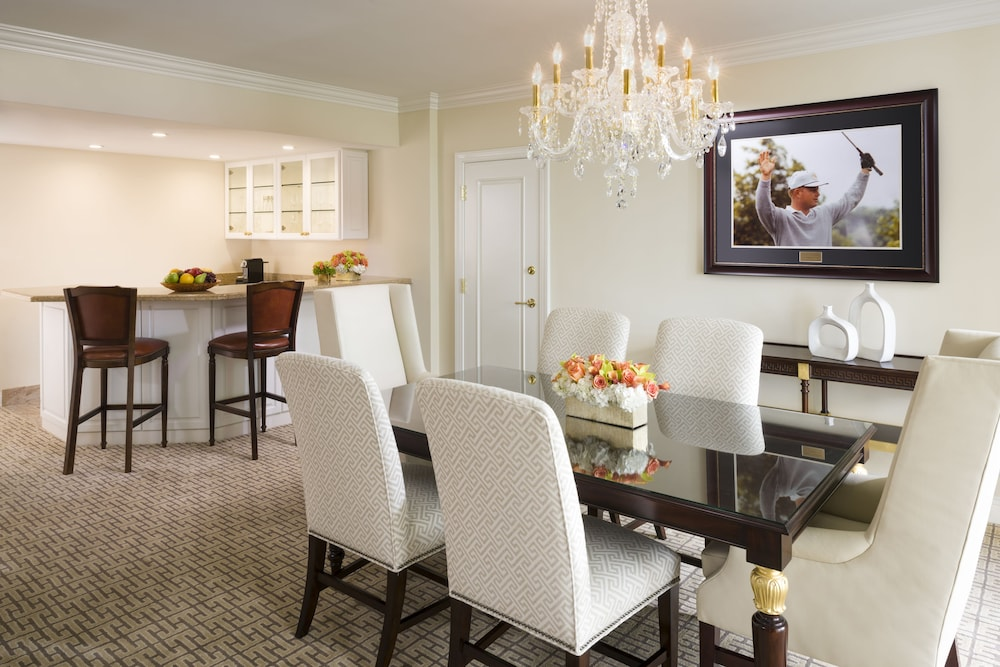 In-Room Dining, Trump National Doral Miami