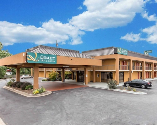 Moravian Falls Accommodation - Top Moravian Falls Hotels