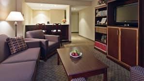 高級寢具、保險箱、書桌、手提電腦工作空間