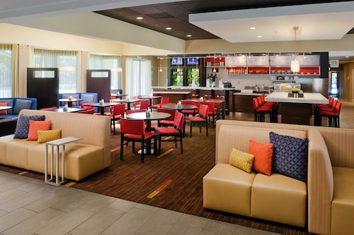 Courtyard by Marriott Huntsville University Drive