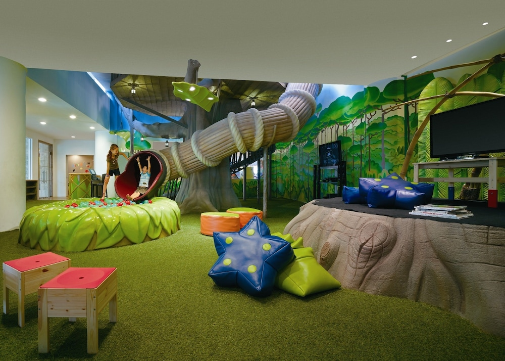 Children's Play Area - Indoor, Shangri-La Rasa Sentosa, Singapore (SG Clean)