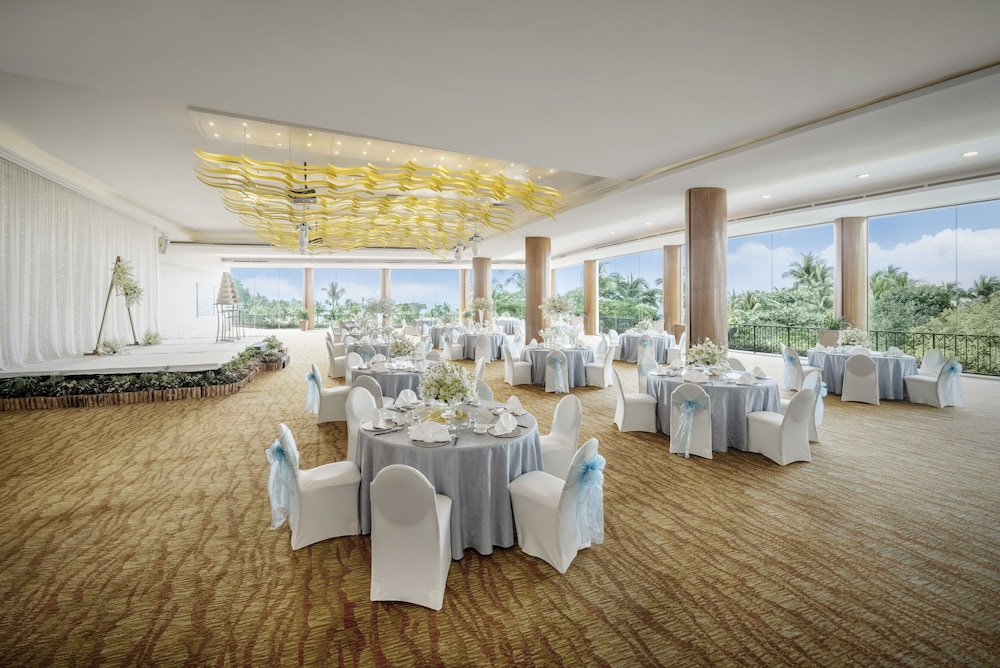 Indoor Wedding, Shangri-La Rasa Sentosa, Singapore (SG Clean)