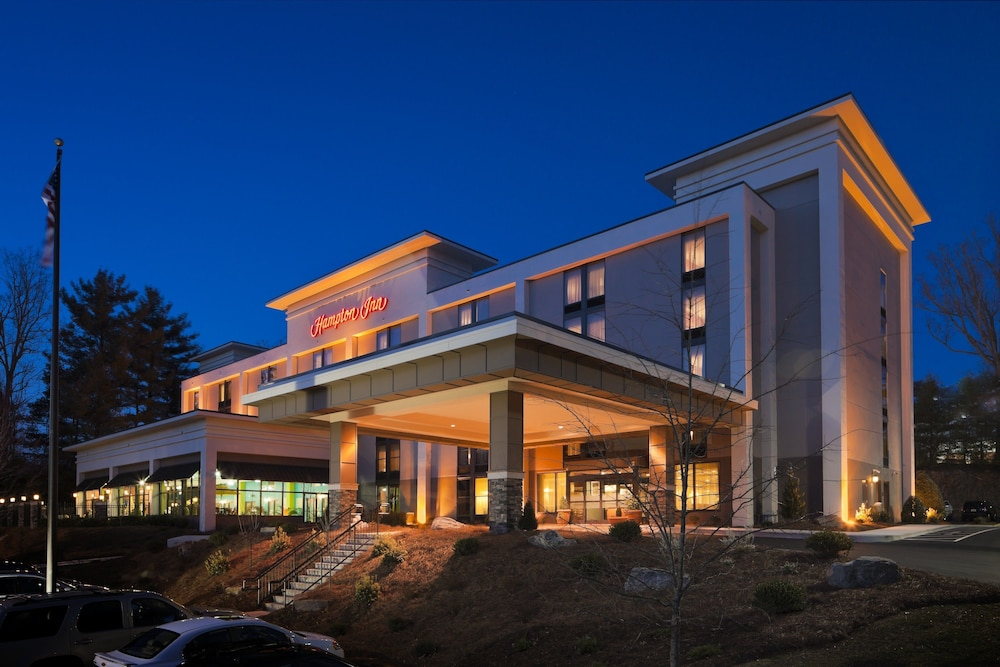Front of Property - Evening/Night, Hampton Inn Asheville-Tunnel Rd.