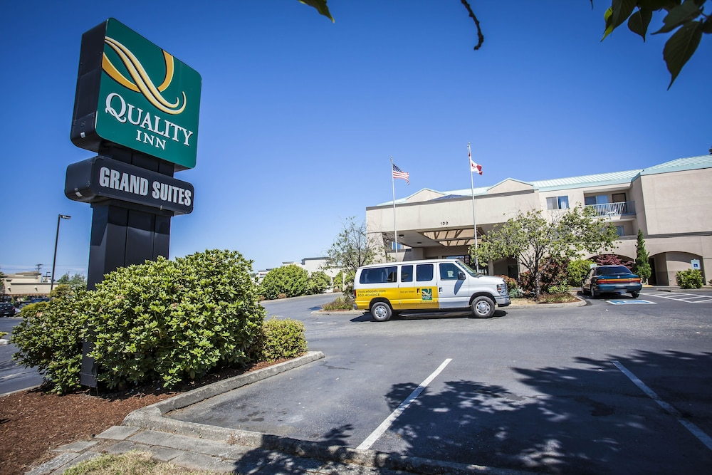 Parking, Quality Inn Grand Suites Bellingham