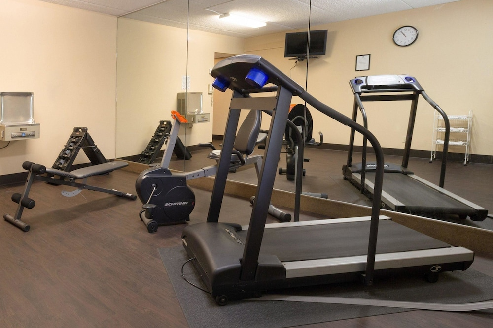 Fitness Facility, Comfort Inn Carrier Circle