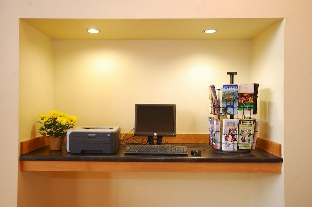 Business Center, Comfort Inn Carrier Circle