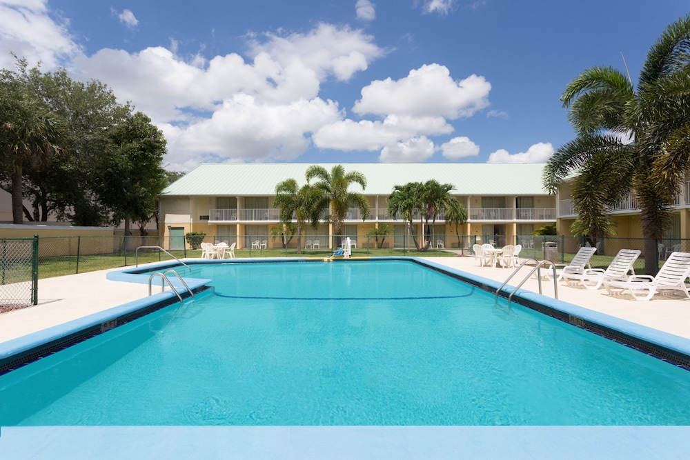 Howard Johnson Vero Beach I