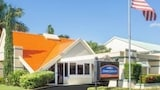 Howard Johnson Inn - Vero Beach / Downtown - Vero Beach Hotels