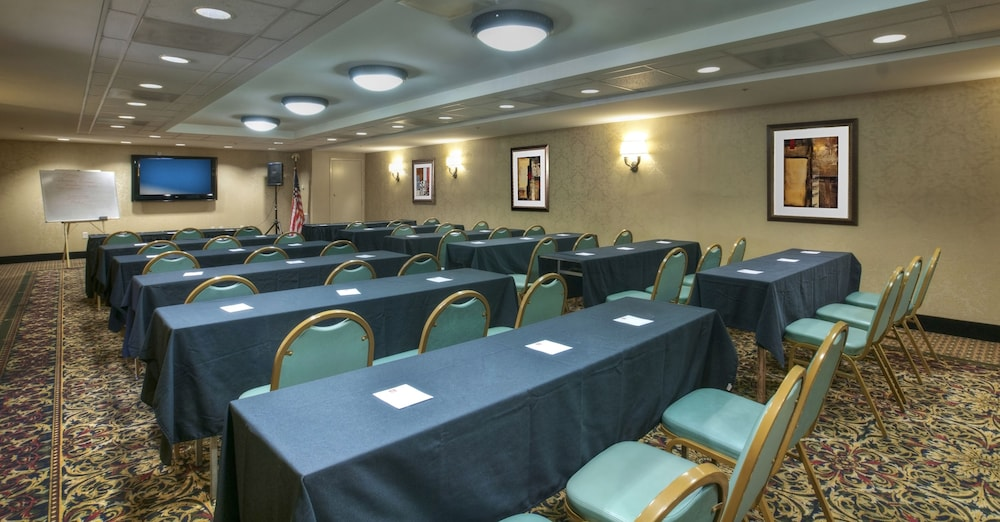 Meeting Facility, Arlington Court Suites, a Clarion Collection Hotel