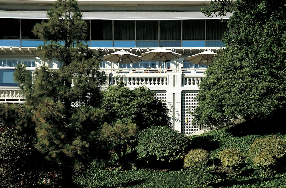Garden, Claremont Club & Spa - A Fairmont Hotel