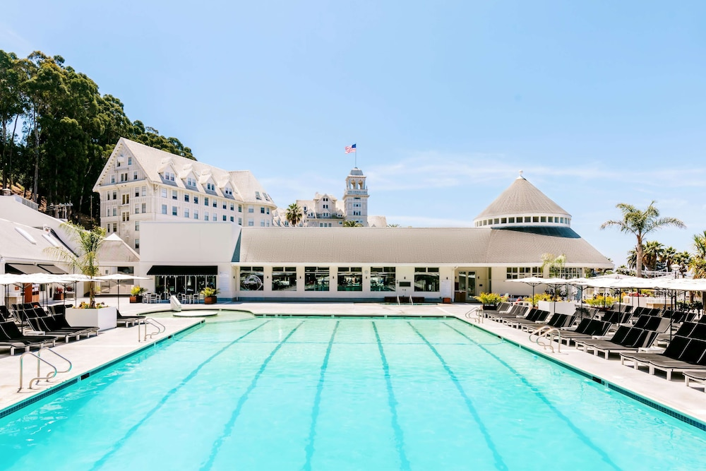 Pool, Claremont Club & Spa - A Fairmont Hotel