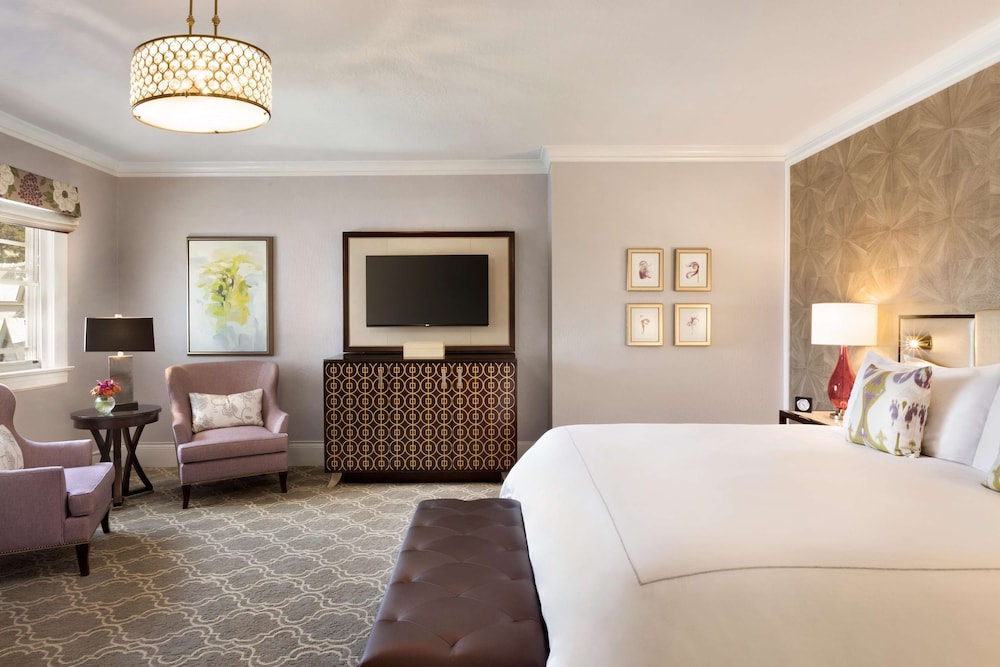 Room, Claremont Club & Spa - A Fairmont Hotel