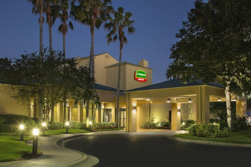 Great Place to stay Courtyard by Marriott Orlando International Dr / Conv Cntr near Orlando