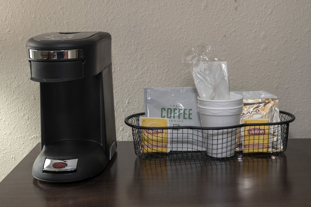Coffee and/or Coffee Maker, Red Roof Inn Prattville